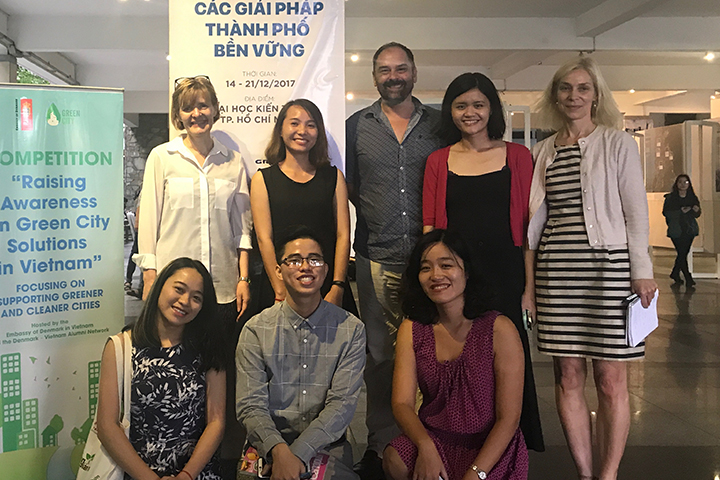 The winning teams in Ho Chi Minh City with Lene Mosegaard, Programme Manager (left) and Vibeke Quaade, Communication Consultant (right), Danida Fellowship Centre