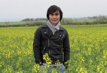 Khoa in field
